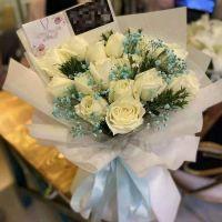 爆款-19枝白玫瑰蓝色满天星送女友老婆情人节七夕节周年纪念