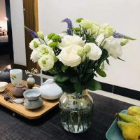 家养鲜花--白玫瑰青色洋桔梗鼠尾 到店取